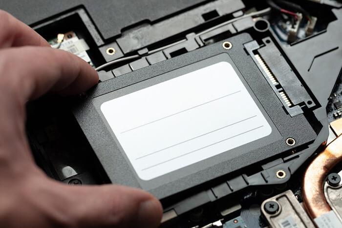 laptopa ssd diskleri nasıl takıyoruz